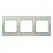Рамка тройная, для горизонтального/вертикального монтажа